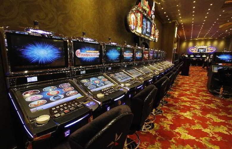 Grand Pasha Hotel & Casino - Sport - 8