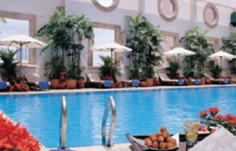Sheraton Saigon - Pool - 1