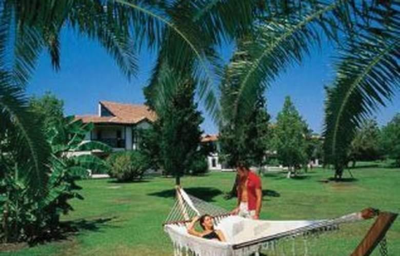 Sunrise Park Resort & Spa - Terrace - 8
