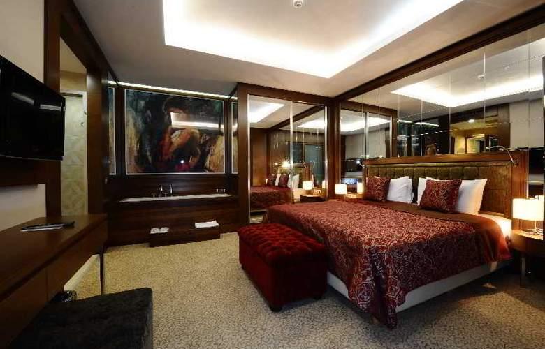 Ramada Podgorica - Room - 9