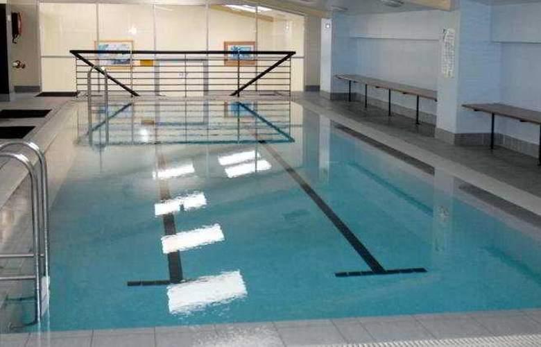 Waldorf Apartment Hotel Canberra - Pool - 6