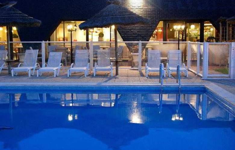 Inter-Hotel Aquilon Saint-Nazaire - Pool - 18