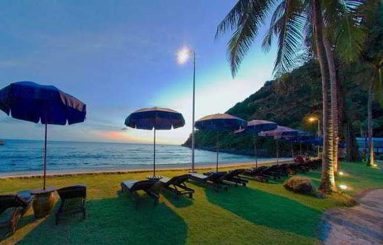 Merlin Beach Resort - Beach - 9