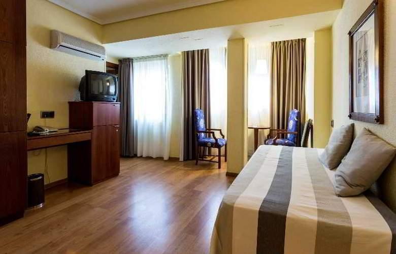 Apartamentos Torreluz - Room - 2