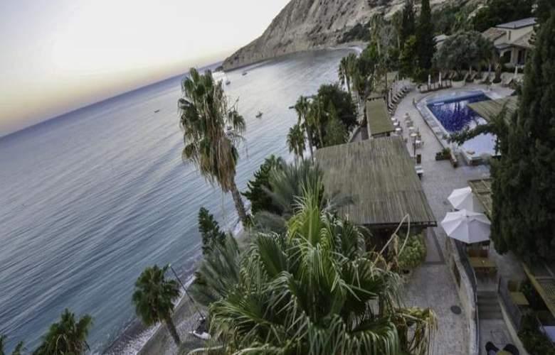Columbia Beach Hotel - Hotel - 0