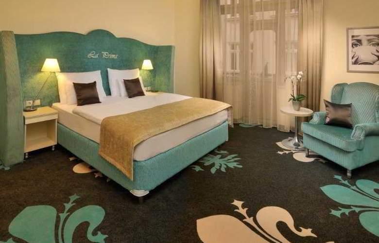 La Prima Fashion Hotel - Room - 1