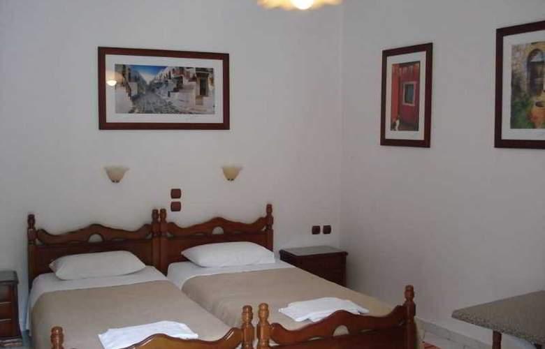 Marina Apartments & Studios - Room - 9