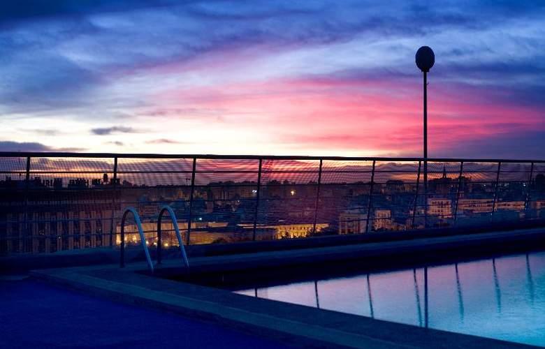 Expo Valencia - Pool - 41