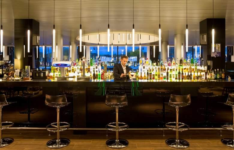 Aqua Hotel Aquamarina And Spa - Bar - 4