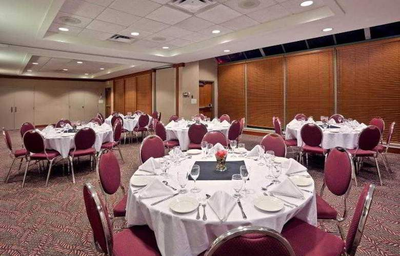 Holiday Inn Vancouver Airport-Richmond - Hotel - 11