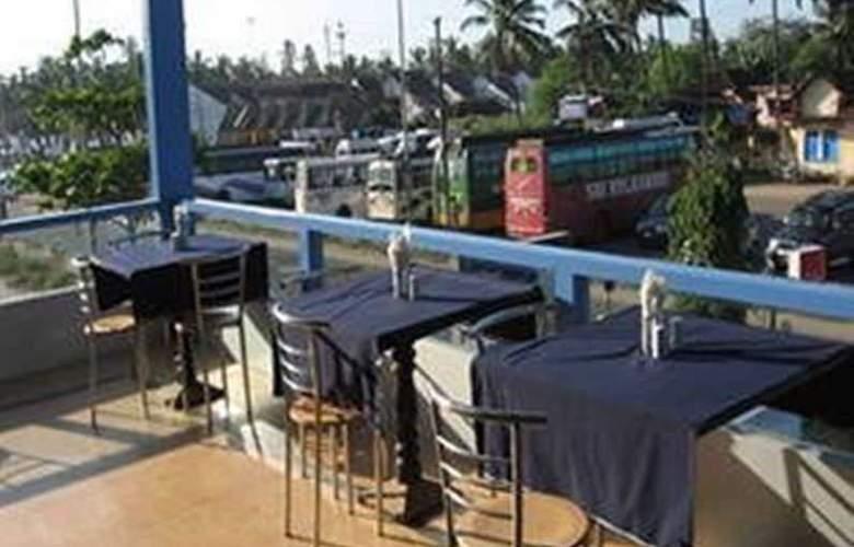 Silver Sands Beach Resort - Restaurant - 13