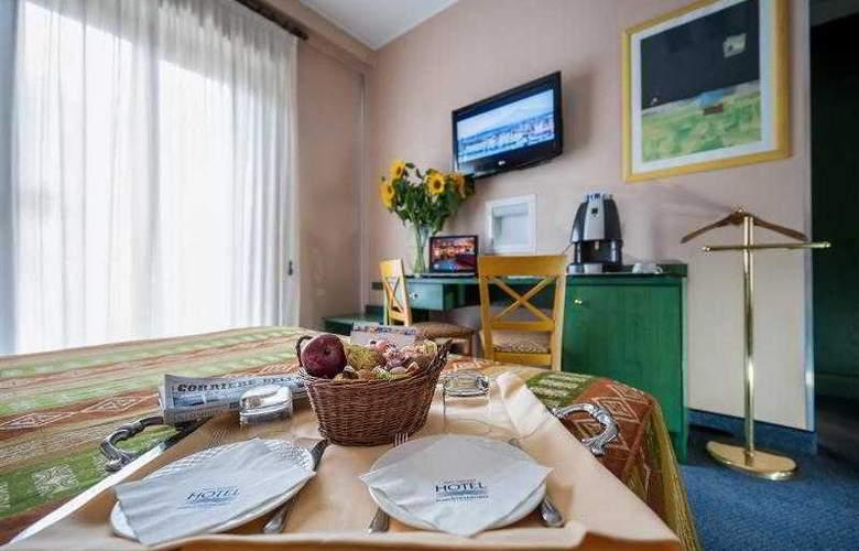 Best Western Mediterraneo - Hotel - 41