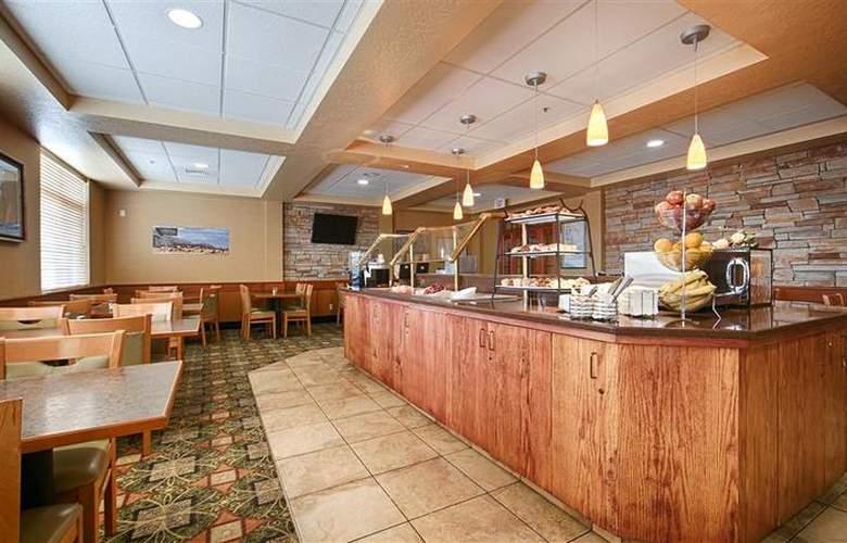 Best Western Plus Grant Creek Inn - Restaurant - 50