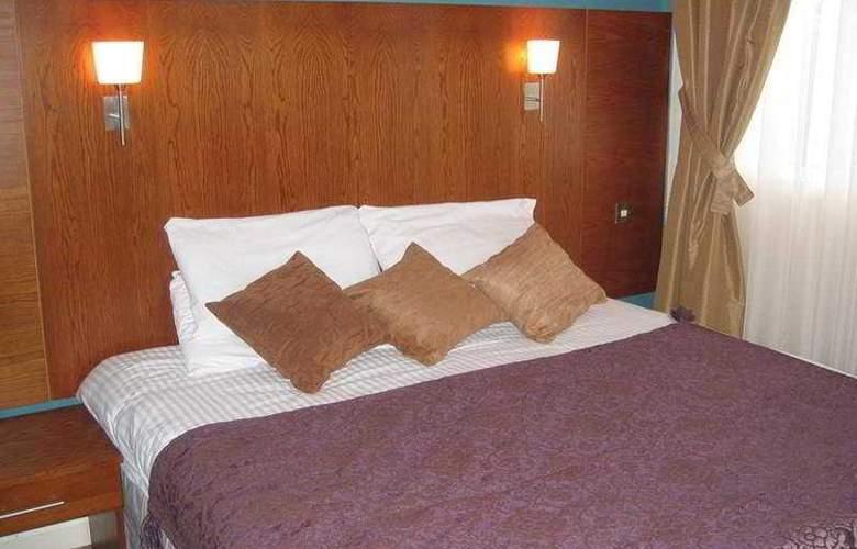 Antonine - Room - 1