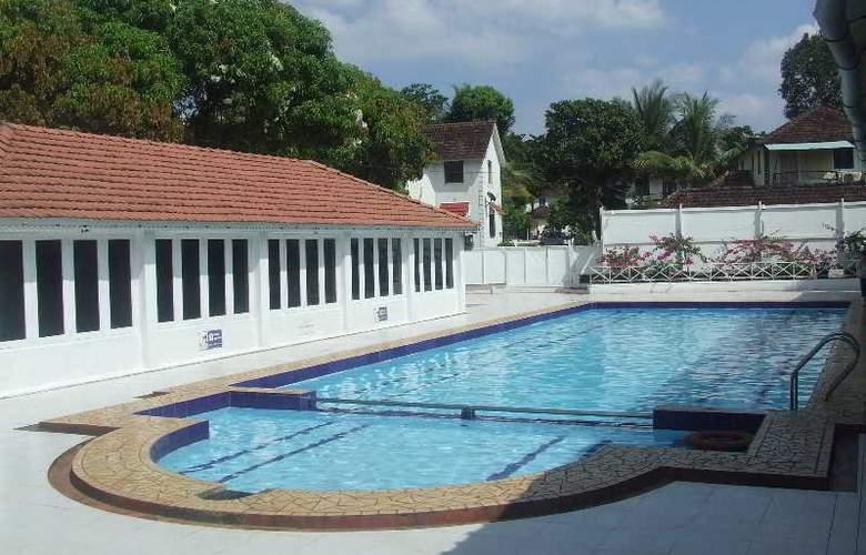 Angels Resort - Pool - 13