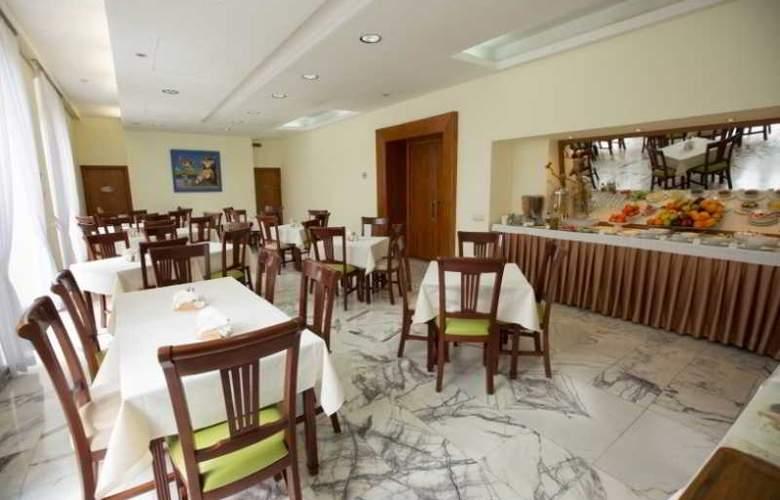 Europe Hotel - Restaurant - 9