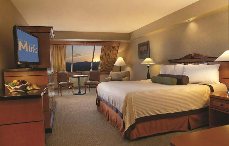 Luxor Hotel and Casino - Room - 12