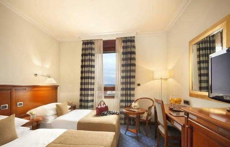 Best Western Premier Astoria - Hotel - 28
