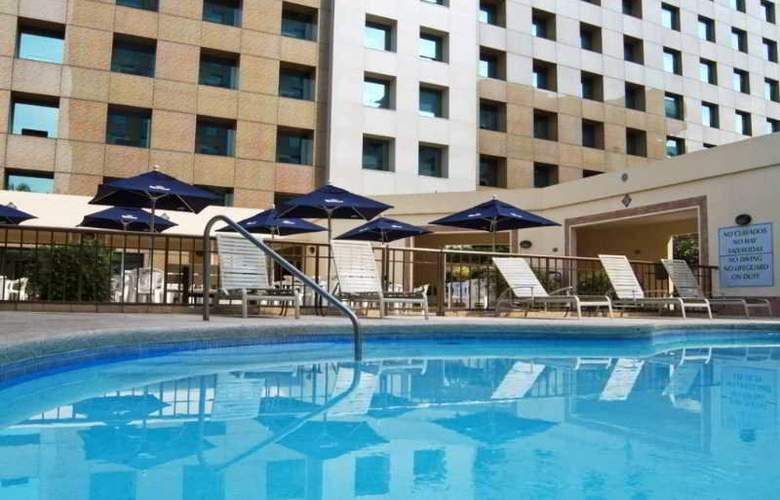 iStay Hotel Monterrey Historico - Pool - 7