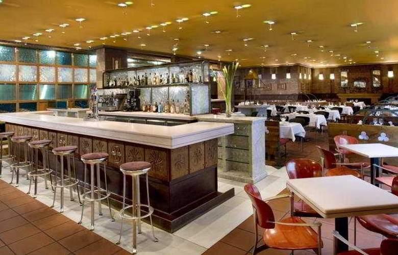 Eurostars Hotel de la Reconquista - Restaurant - 9