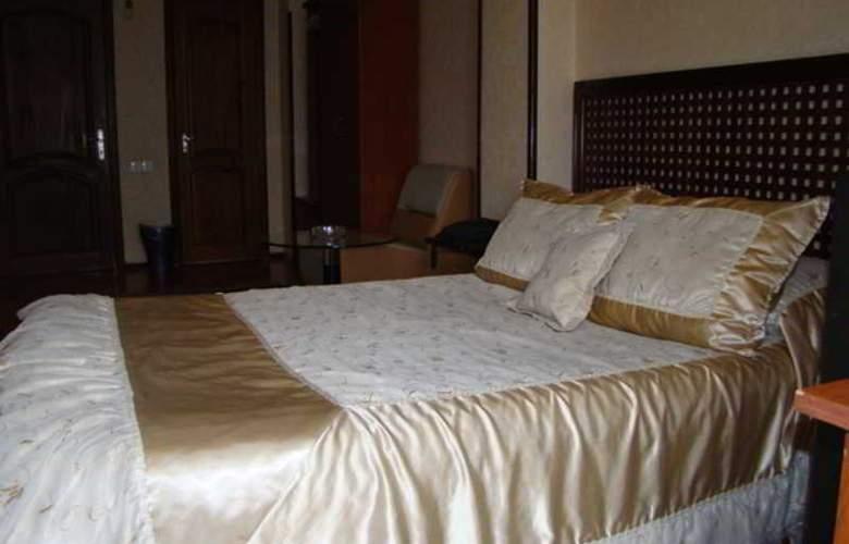 Nur Hotel - Room - 1