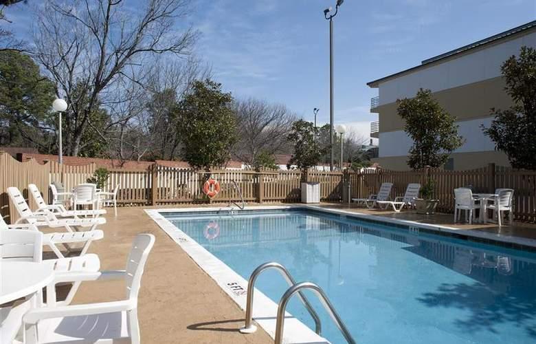 Best Western Columbus - Pool - 83