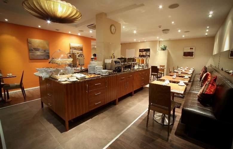 Gresham Belson - Restaurant - 19