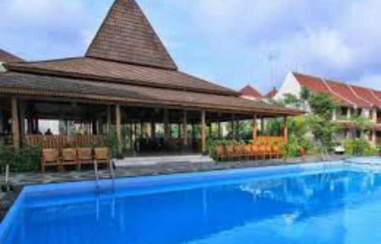 The Gambir Anom Hotel Solo - Pool - 12