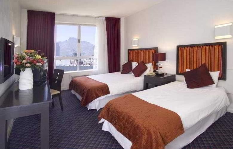 The Tulip Hotel & Conference Centre - Room - 4
