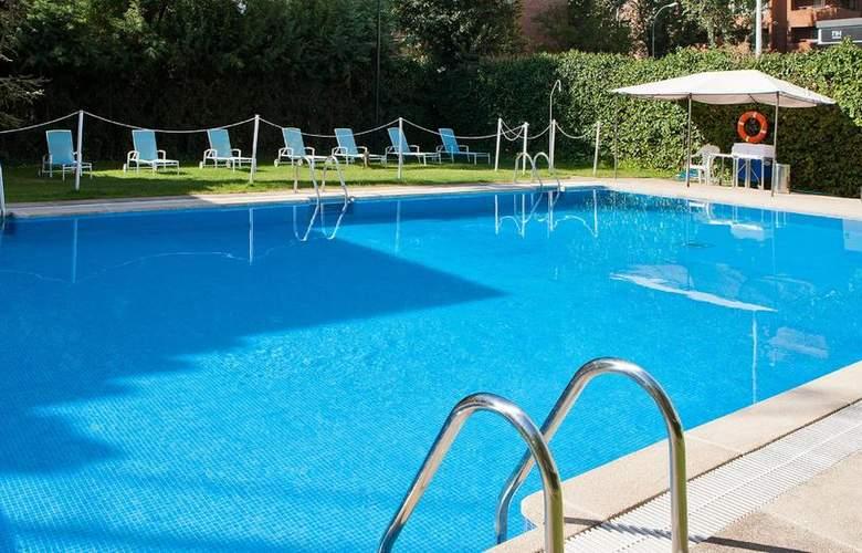 NH Madrid Ventas - Pool - 2