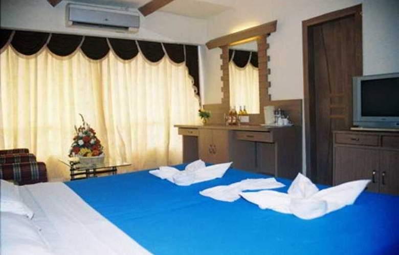Silver Sands Beach Resort - Room - 4