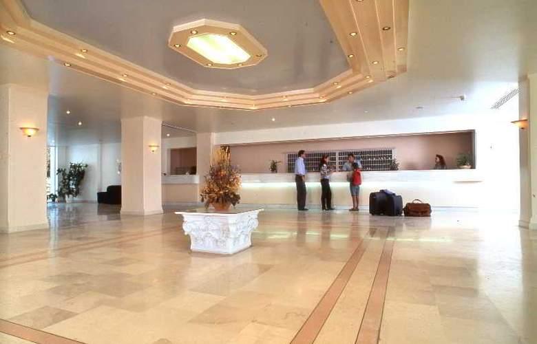 Holidays Inn Evia - General - 2