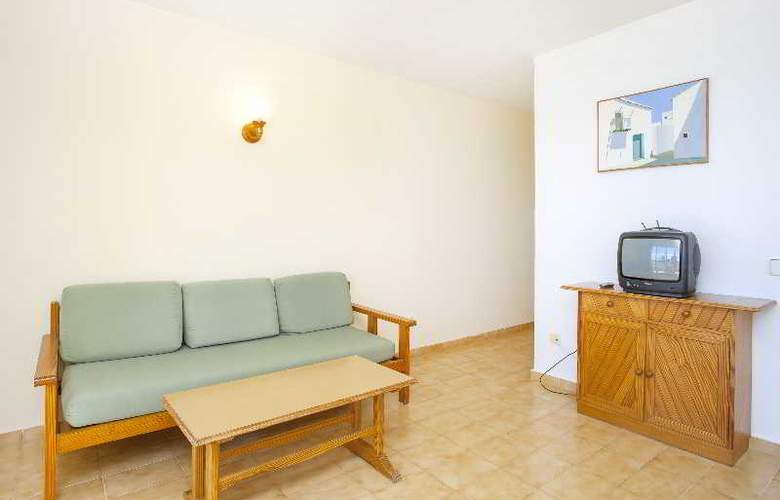 Apartamentos Mar y Playa 2 - Room - 2
