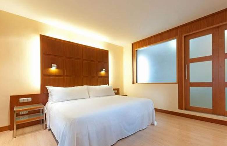 Tryp Valencia Azafata - Room - 12