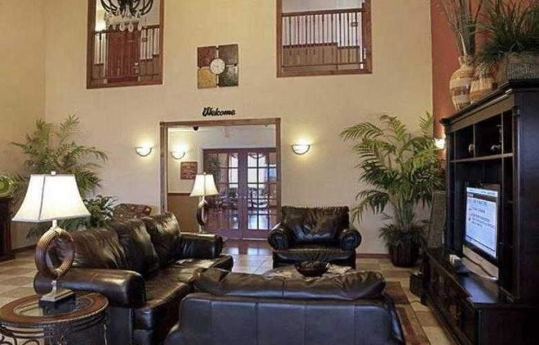 Best Western Plus Sherwood Inn & Suites - Hotel - 4