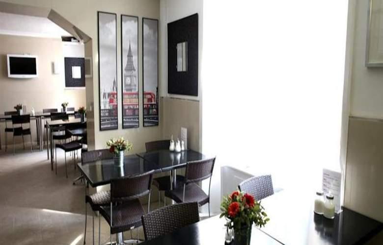 Huttons - Restaurant - 42