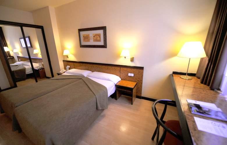 Hotel Glories Sercotel - Room - 15
