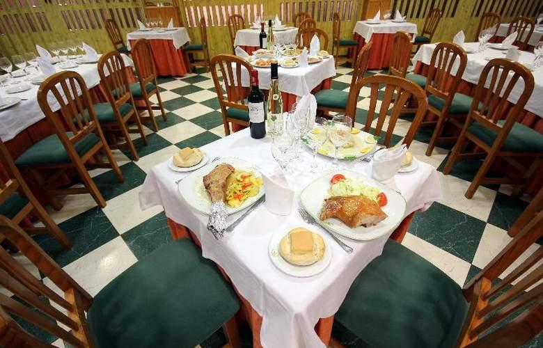 Fenix - Restaurant - 13