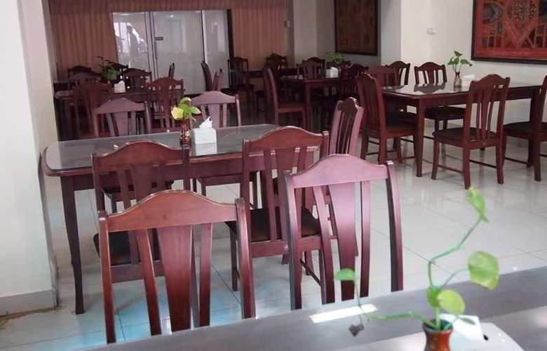 Monaa´s Place - Restaurant - 2