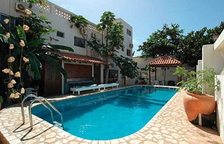 Hotel Da Luz - Pool - 4