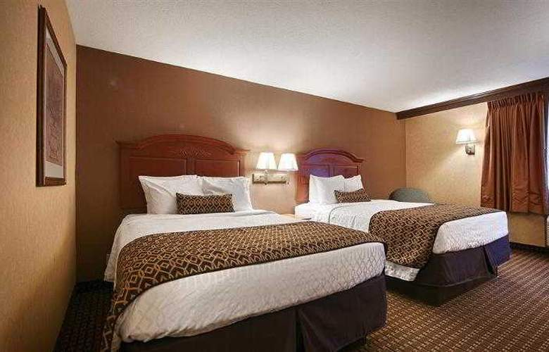 Best Western Plus North Canton Inn & Suites - Hotel - 26
