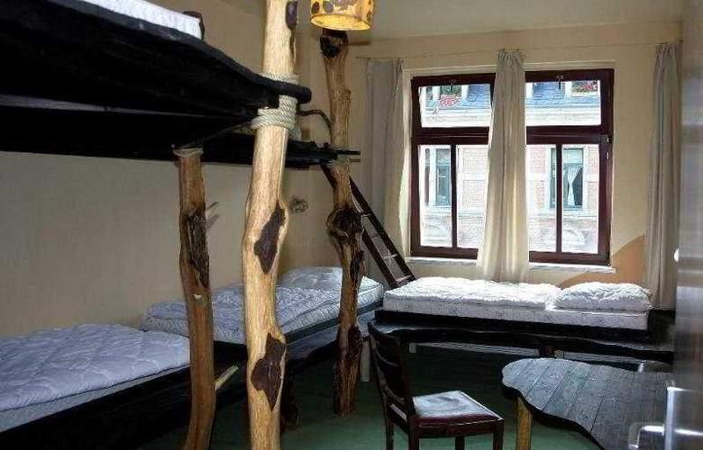 HOSTEL LOLLIS HOMESTAY - Room - 4