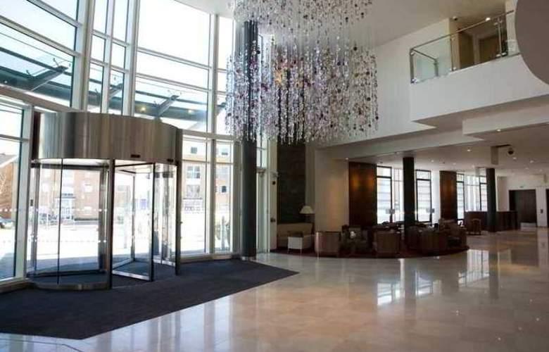 Hilton Reading - Hotel - 1
