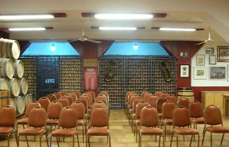 Palacios - Conference - 15