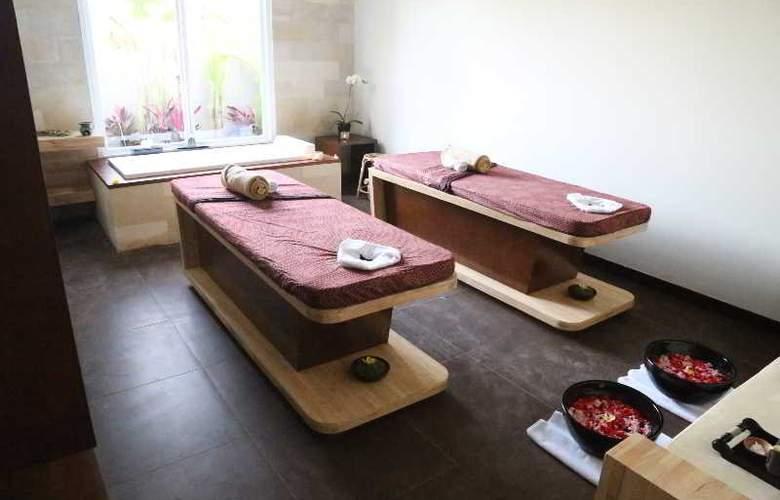 Uppala Villa & Spa Umalas - Room - 11