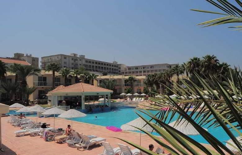 Oscar Resort - Pool - 31