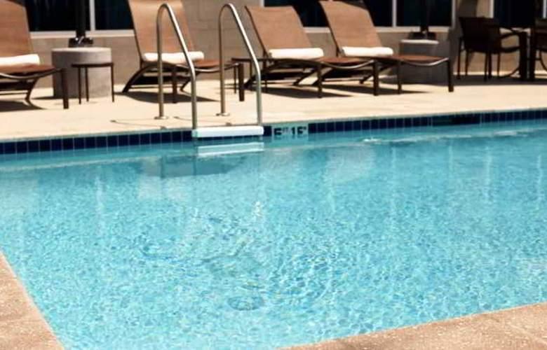 Hyatt Place Santiago/Vitacura - Pool - 15
