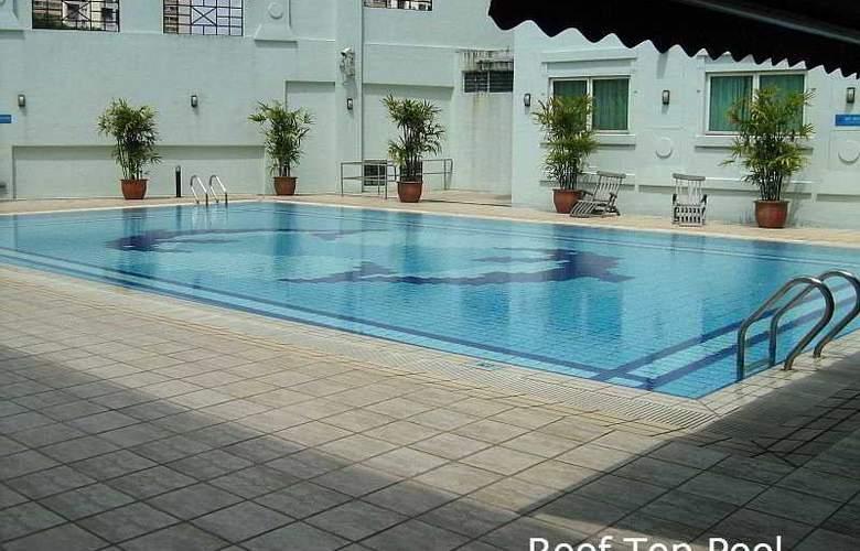 Hotel 81 - Tristar - Pool - 8