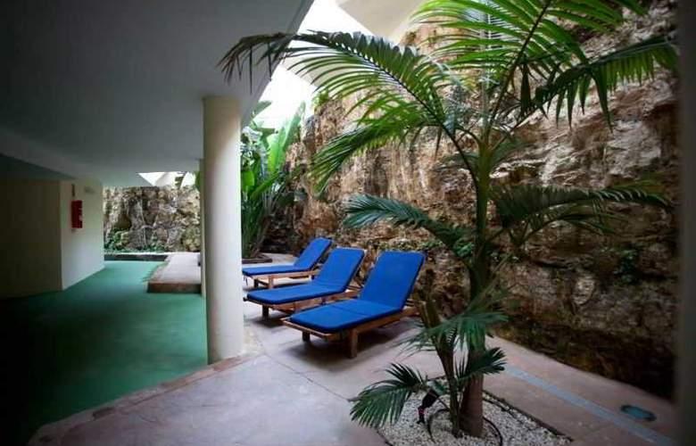 Azul Playa - Terrace - 15