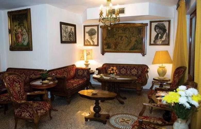 La Riva - Hotel - 0